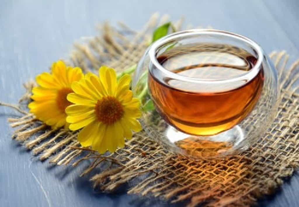 Does manuka honey kill good bacteria
