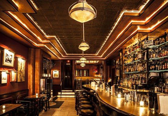 Employees Only is Top ten bars in Singapore: where you won't go broke drinking!, 10 Best Bars In Singapore For Drinking Pros And Newbies Alike, atas and rich hangout
