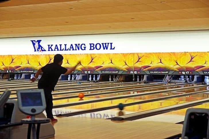 Kallang Bowl is the 10 best bowling alleys in Singapore for crazy fun times with family and friends