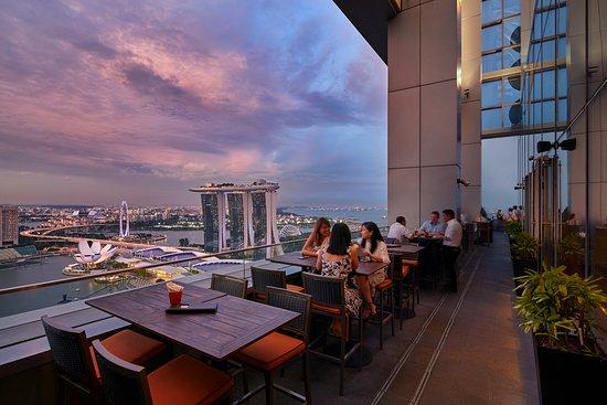 Where can we drink now in Singapore?go to Level 33 Grab A Drink At Singapore's Best Bars, Where can smoke and drink in Singapore?