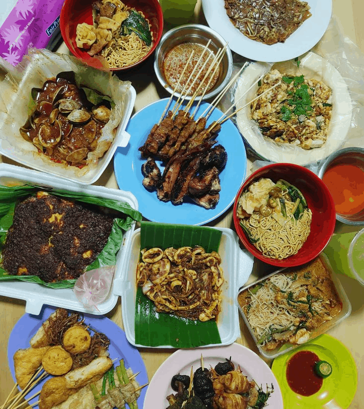 Chomp Chomp Hawker Centre is top 10 Best Singapore Hawker Centres one of Our Favourite Hawkers in Singapore