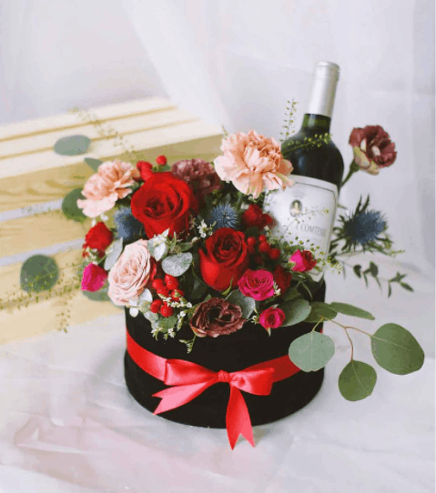 The best gift hampers for delivery in Singapore is Windflower Florist