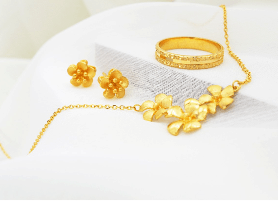 Orient Jewellers is a place to buy good quality Jewellery in Singapore, A Singapore jeweller since 1970 long and old shop with history in singapore, Shop Pure Gold, 916 Gold, 18 Karat Gold, diamond, precious stone, jade jewellery