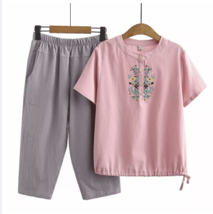 10 Plus-Size Clothing Stores In Singapore For Ladies To Get Nice looking clothes, Plus Size Two Piece Summer Wear, clothes for fat arms, Plus Size Women 2pcs Summer Set Fashion tshirt + Casual Cropped Pants Full Cotton Floral Embroidered Sets