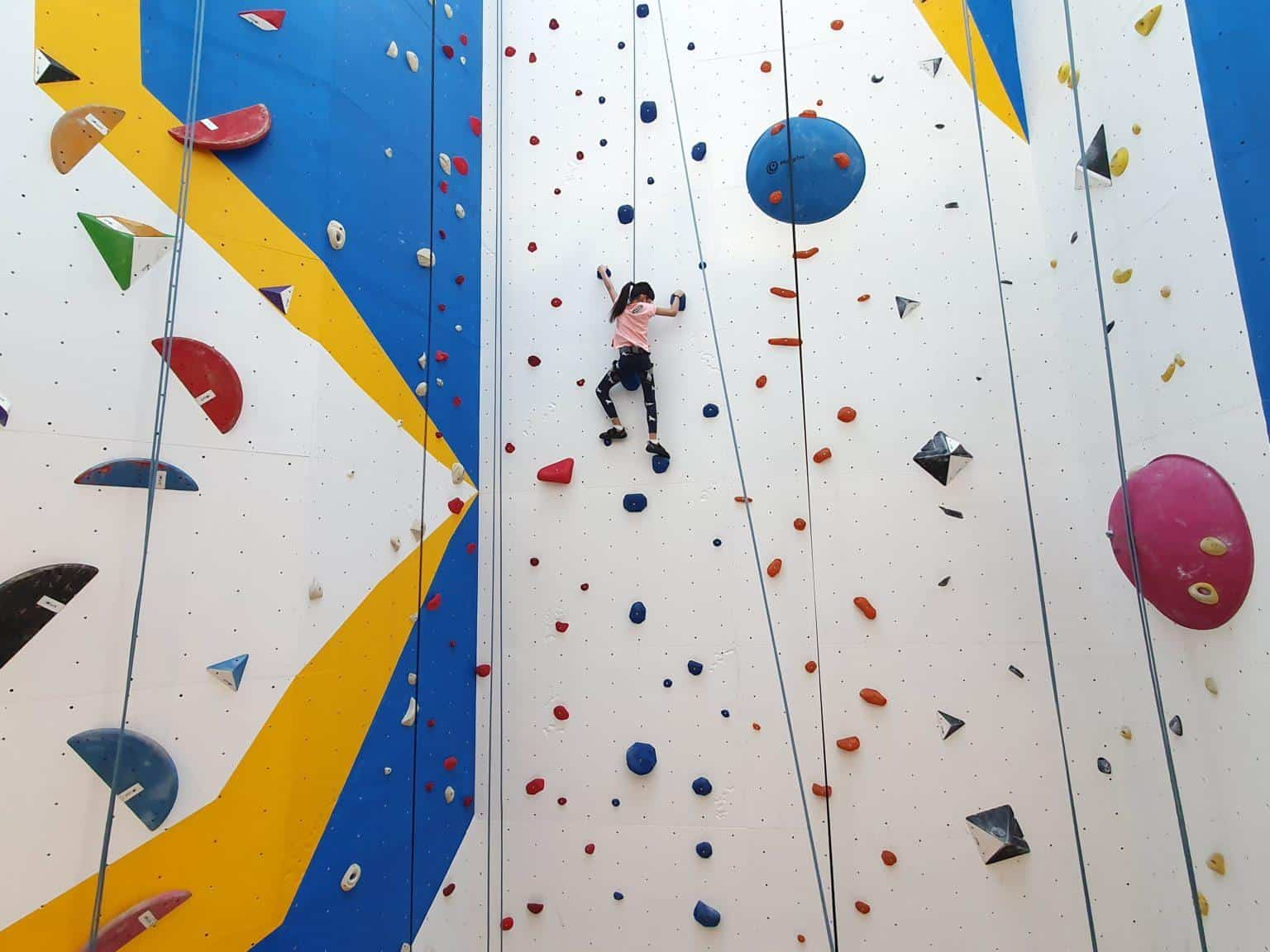 Upwall Climbing is 10 Top Rock Climbing and Bouldering Gyms in Singapore, climb central, wall climbing singapore t-hall, ground up climbing, upwall climbing booking, upwall multi-pass, lead climbing singapore, sncs level 1